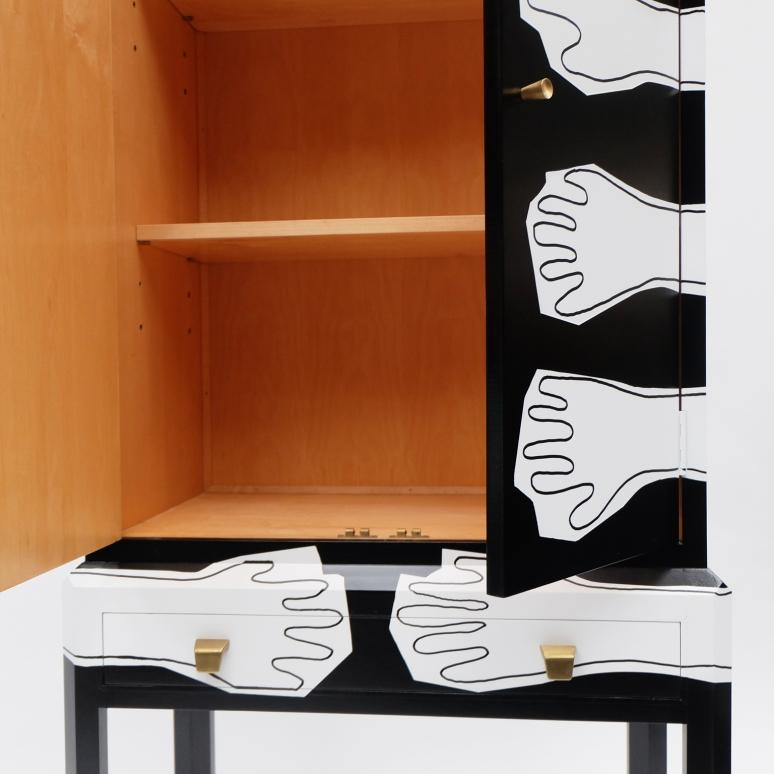 Grapple Cabinet